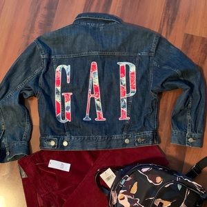 Gap big logo back denim jacket